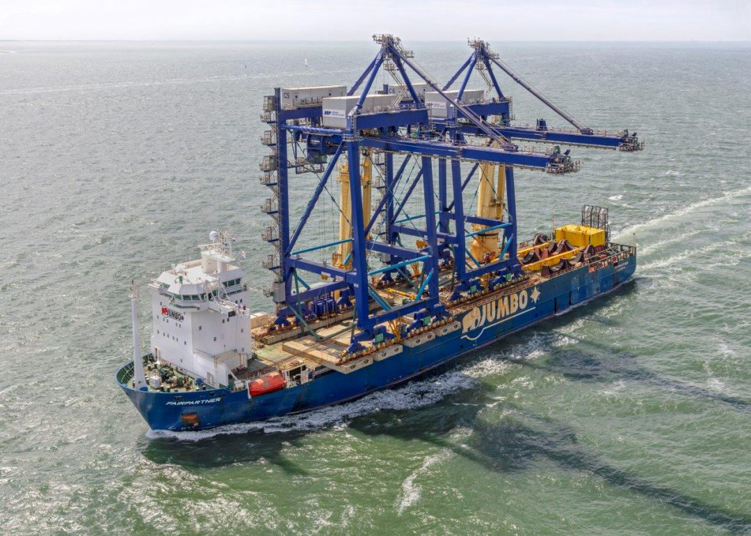 Jumbo carries ship-to-shore container cranes. Image: Jumbo