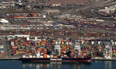 Port of Oakland, others ask $2.25 billion to move freight soot-free. Image: Flickr/ Daniel Parks